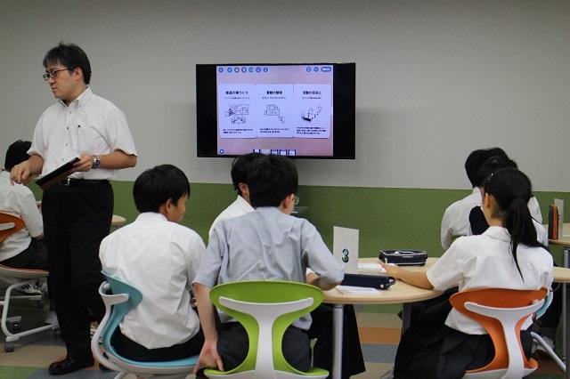 「理数インター」の授業風景