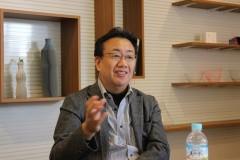 未来プロジェクト室について説明する鈴木室長